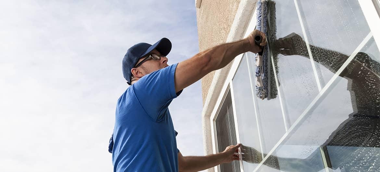 Как часто мыть фасады, окна и витрины